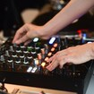 TURNTABLISTA – Basics of DJing for Women