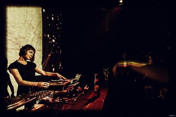 DJ Masha Dabelka @ Kabinet Muz Brrno Foto: Mizuki Nakeshu