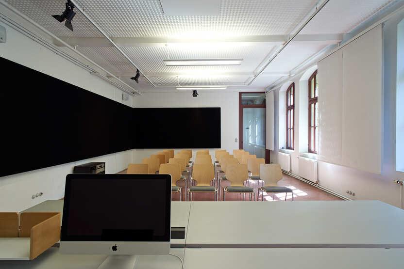 Seminarraum Kino-Bestuhlung